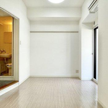 居室は横長です。