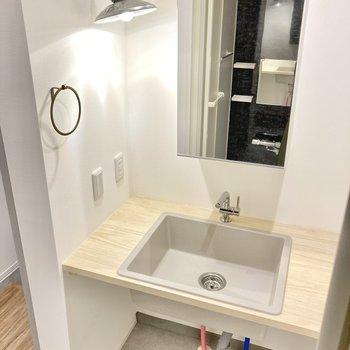 洗面台もナチュラルで可愛いなぁ。