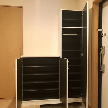 シューズボックスもこの容量!(※写真は2階の同間取り別部屋、清掃前のものです)