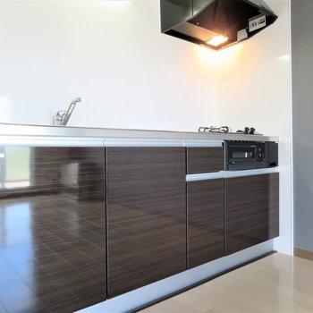 新築のように綺麗なキッチン…!