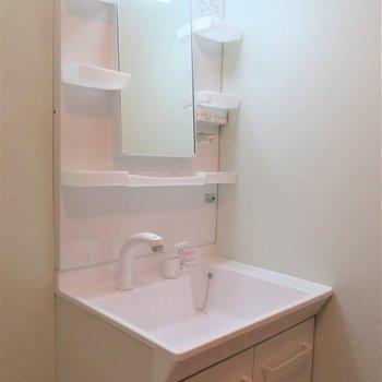 綺麗な独立洗面台◯