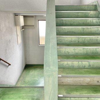 お部屋までは階段。がんばりましょう~!