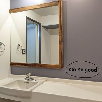 洗面台もゆったりしています。メッセージもまたいい味。