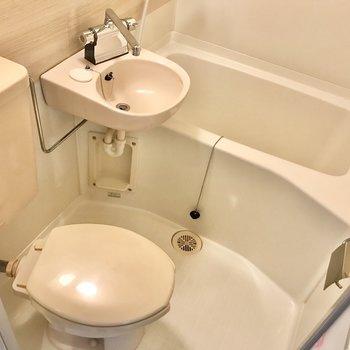3点ユニットの浴室は、シャワーで丸洗いなんてことも可能です。
