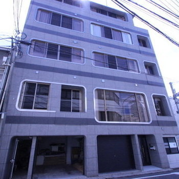 LUXES堺町
