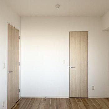 【洋6北】6帖のお部屋です。(※写真は11階の同間取り別部屋のものです)