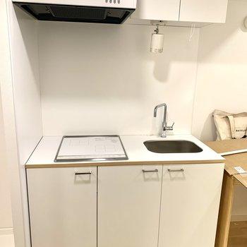 工事中】キッチンが入りました! 白い2口IHがかわいいですね!