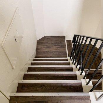 お部屋までは階段です。頑張りましょう!