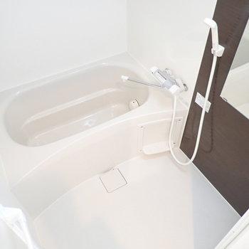 追い炊き機能&浴室乾燥機つき!