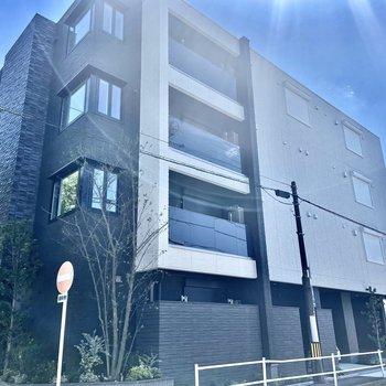 駅から徒歩約9分!2021年8月竣工のマンションです。