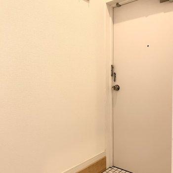 白いタイルが自慢の1部屋