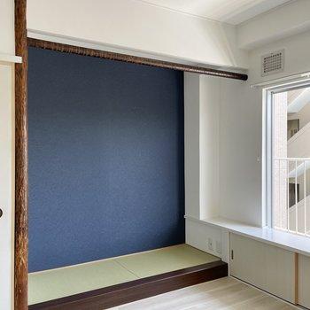 〈玄関側の洋室〉そうそう!この和空間。テレビ端子があるのでここにテレビ台を置くことになりそうです◯