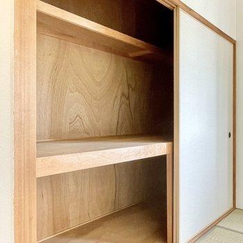 【和室6帖】押入れはよくある大きさのものより随分とワイドです。