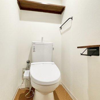 トイレの小物もかわいいなぁ。