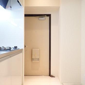 玄関のたたきも白なので、お部屋全体が柔らかい雰囲気に。