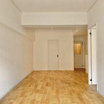 【LDK】内装に合わせて木目調の家具で揃えたくなるなあ。