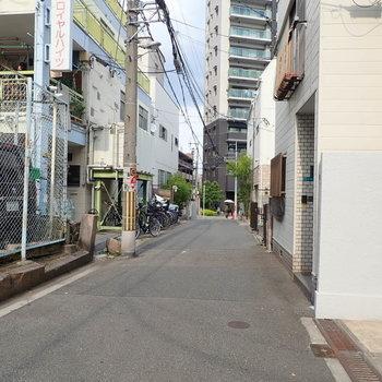 【周辺環境】天王寺駅まで徒歩約9分です!地元の人たちがぽつぽつと通る、なんとも下町感のある雰囲気ですよ。