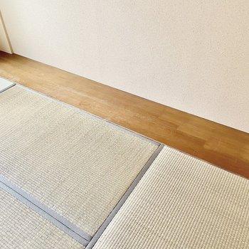 【和室】片側は踏込み床になっています。