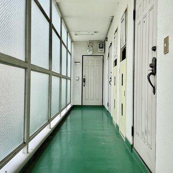 【共有部】廊下の幅は狭くはありませんでしたよ〜!