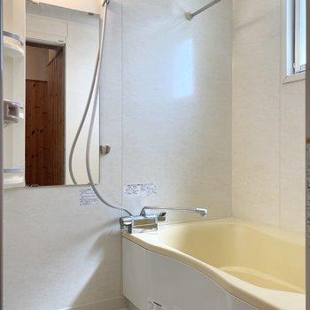 続いてバスルーム。なんと音楽聴きならが入浴できちゃいます!