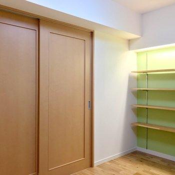 洋室とは引き戸で仕切ることができます。(※写真は5階の反転間取り別部屋のものです)