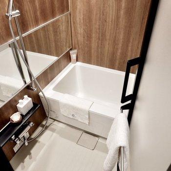 追い焚き機能と浴室乾燥機がポイントです。