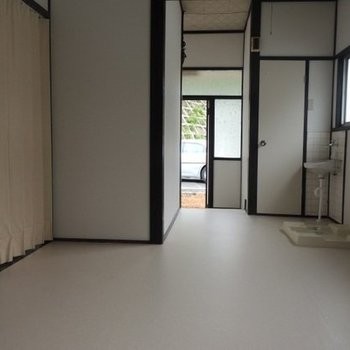 畑賀2丁目借家(左側)