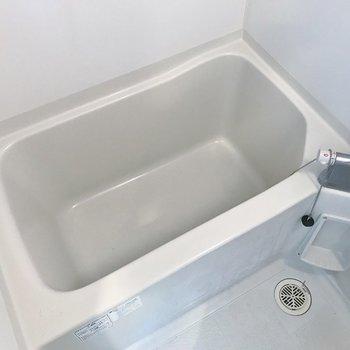 清潔感のあるお風呂◎(※写真は7階の同間取り別部屋のものです)