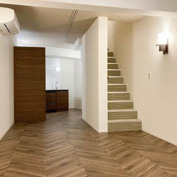 静かな住宅街の、貫禄ある一室