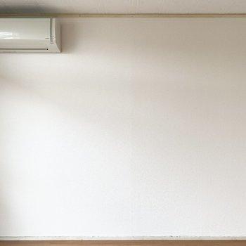 【洋室】エアコンは備え付けですよ。
