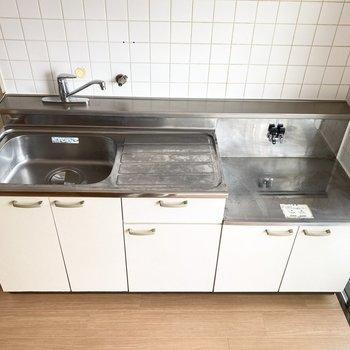 調理スペースもゆったりとして、料理が捗りそう。