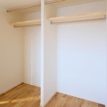 【イメージ】洋室の収納はオープンタイプです