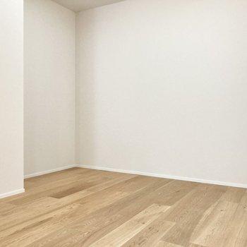 この角に家具をはめると良さそうですね。