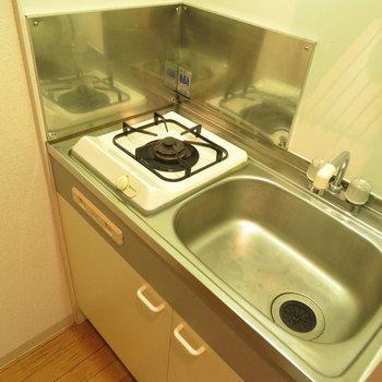 1口のミニキッチン(※写真は5階の同間取り別部屋のものです)