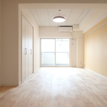 【イメージ】家具の配置色々試せそうなゆとりのある間取りです!※写真は同間取り別部屋のものです。