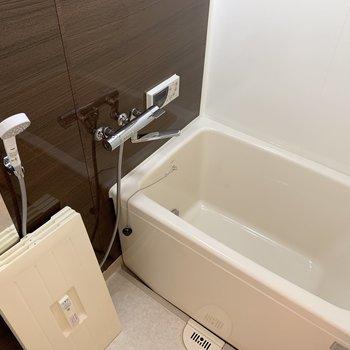 浴槽は既存利用ですがクリーニング済みです!