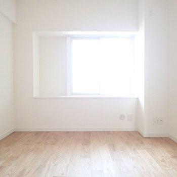 洋室部分にも窓がつきます※写真は同間取り別部屋のものです