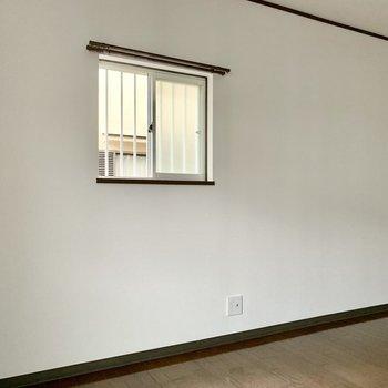 側面に窓があるタイプの角部屋。