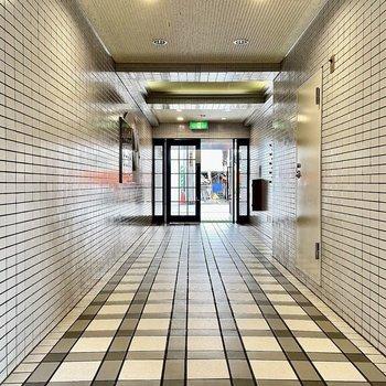 【共有部】床がギンガムチェックみたいでかわいい〜!