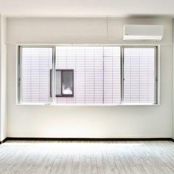 【洋室②】こちらは西向きの窓です。