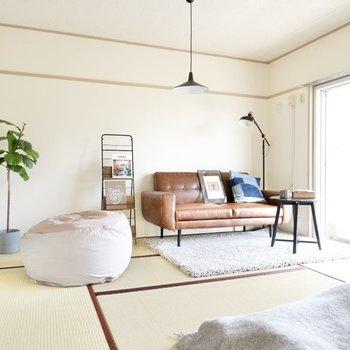 重厚感のある家具も難なく溶け込んでいます。