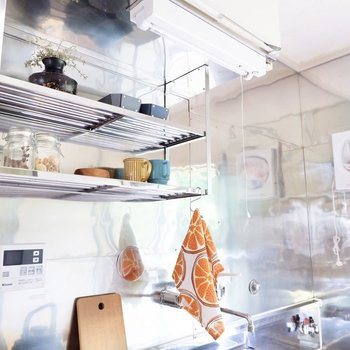 調味料を並べたり、食器の水切りができますね。