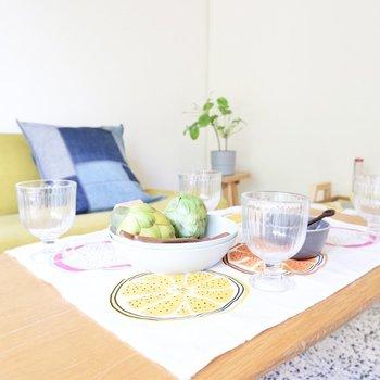 友人を招いてお茶会を開いたり、食卓をこちらに構えれるのも良いですね。