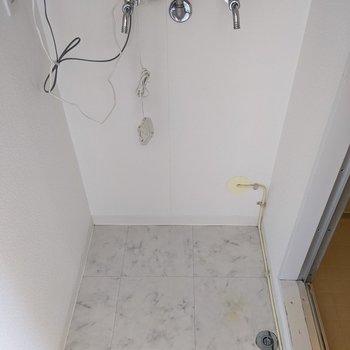 脱衣所部分に洗濯機置き場があります。