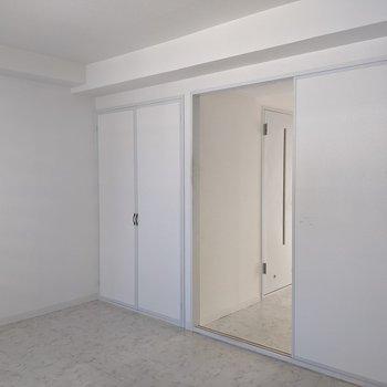 【洋室】クローゼットは洋室に1箇所あります。