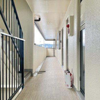 【共用部】廊下まできれいで帰宅が楽しい。
