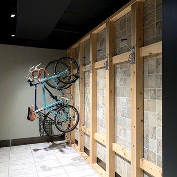 ロードバイク置き場もあります。