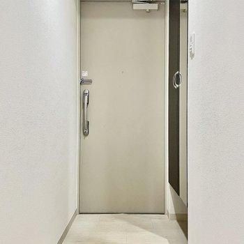 玄関の着脱スペースもしっかりとあります。