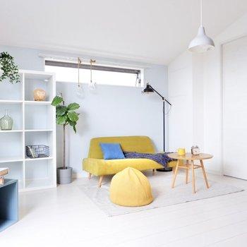 色の輪郭がはっきりとする、爽やか空間。