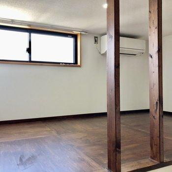 ロフトは3.5帖と寝室として使えるサイズ感。高さは150cm程。(※写真は同間取り別部屋のものです)